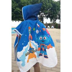 Customizable children's poncho towel